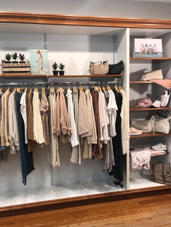 Interior de la tienda de ropa Garaiz
